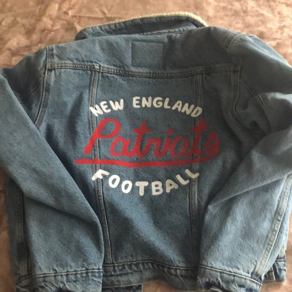 the latest 255f9 051d5 SOLD OUT New England Patriots Levi's Jean jacket